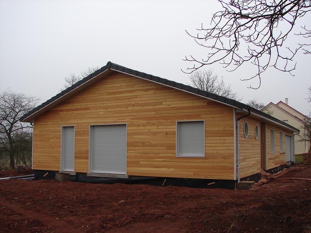 Maison classique ossature bois atelier construction for Maison contemporaine classique